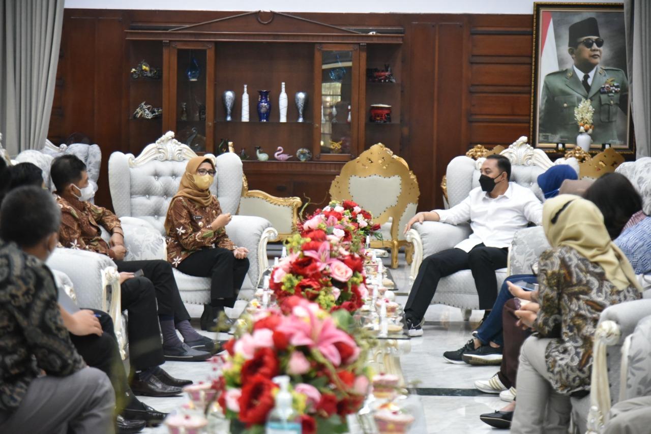 Kunjungan ke Rumah Dinas Walikota Surabaya
