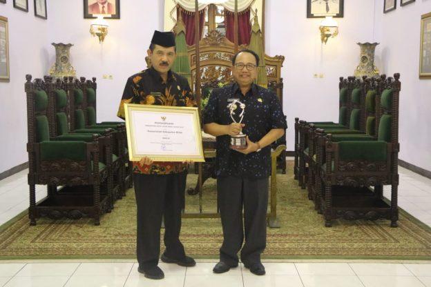 Kabupaten Blitar Terima Penghargaan KLA Tingkat Madya